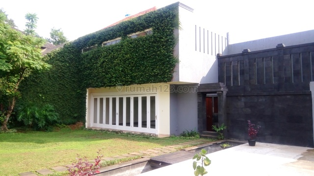 """Luxurious, Modern and Quite House for Expatriat and Ambassador in Senayan Area """"The Price Can Be Negotiable"""", Senayan, Jakarta Selatan"""