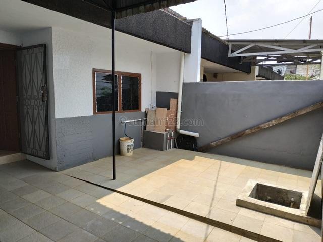 DI SEWA RUMAH CANTIK SANGAT TERAWAT DI KEMBANGAN *0026-KELREN*, Taman Kota, Jakarta Barat