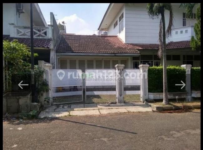 Rumah Nyaman  LT 550/ LB 400 dalam Komplek Asri dan Luas di Lebak Bulus, Jakarta Selatan, Lebak Bulus, Jakarta Selatan
