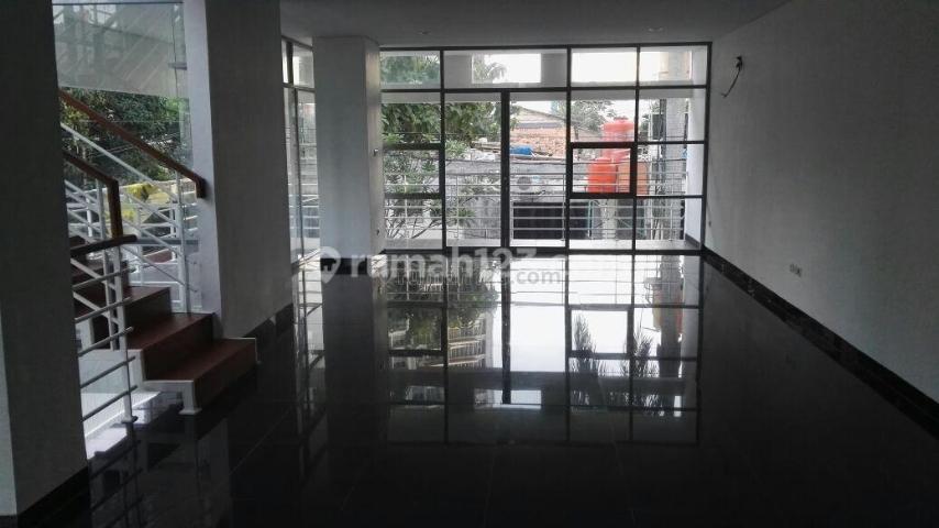 Rumah Baru 3 Lt. 4 KT .LT/B : 138/274 di  Pinang Suasa, Pondok Indah, Pondok Indah, Jakarta Selatan