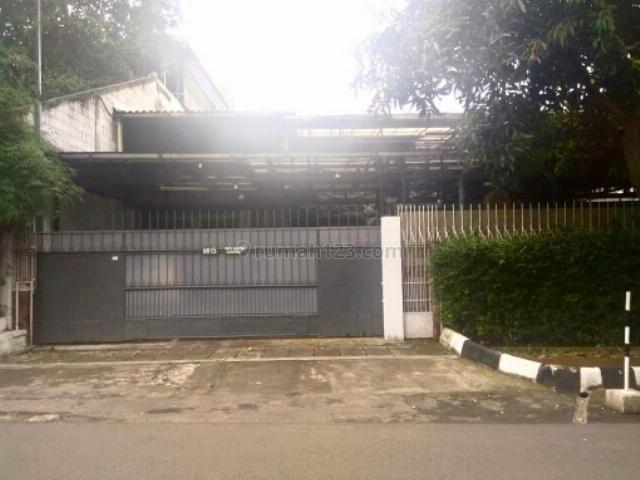 RUMAH DI JALAN BIRAH / JALAN SENAYAN DI, Senayan, Jakarta Selatan