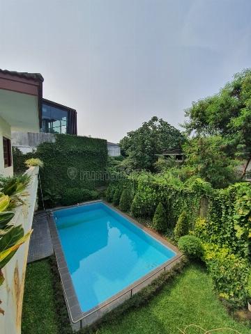 Hang lekir, rumah 2 lantai, semi Furnish, Swimming pool, untuk harga terbaik call- yani lim 08174969303, Kebayoran Baru, Jakarta Selatan