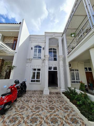 Rumah Mewah Design Classic Harga Terbaik Jagakarsa Jakarta Selatan, Jagakarsa, Jakarta Selatan