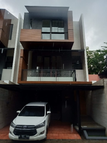 Town House Cantik Modern Strategis dekat Toll JORR di Cipete, Jakarta Selatan, Cipete, Jakarta Selatan