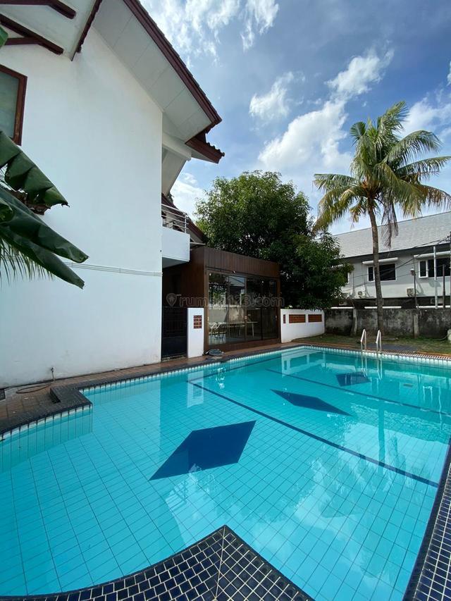 Rumah Office di Jalan Kemang Raya LT 960 m2 LB 400 m2 475 Juta/ Tahun, Kemang, Jakarta Selatan