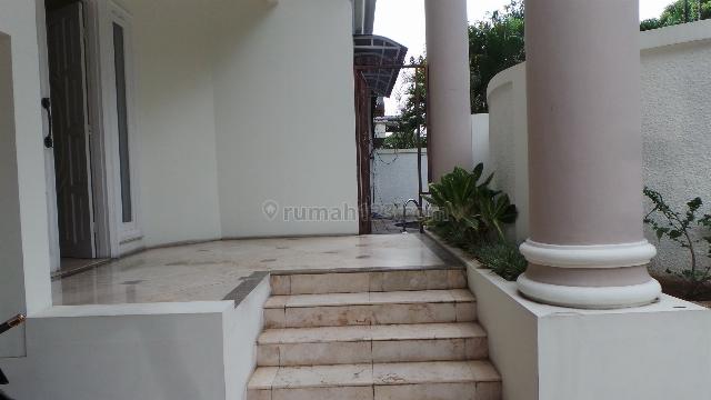 NICE HOUSE FOR EXPATRIATE US$2000, Pondok Indah, Jakarta Selatan
