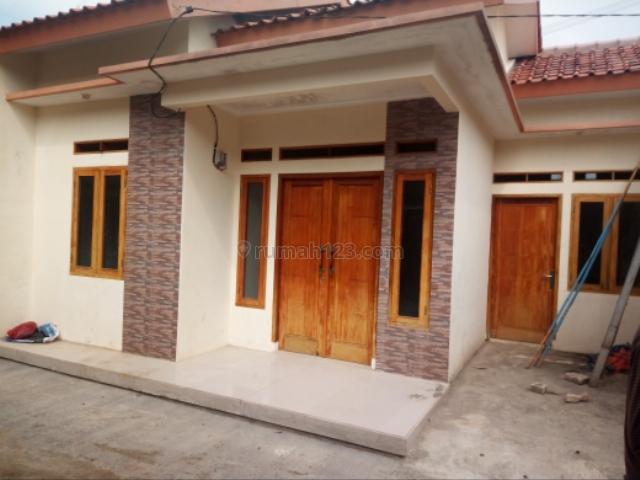 Rumah1 unit terakhir belakang Alfamart strategis shm, Jagakarsa, Jakarta Selatan