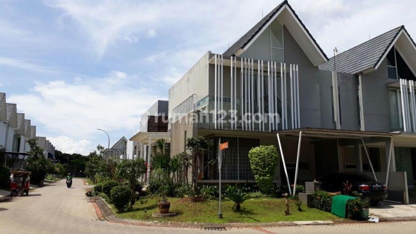 Rumah Bagus Dilokasi Strategis, Bintaro, Tangerang Selatan, Bintaro, Jakarta Selatan