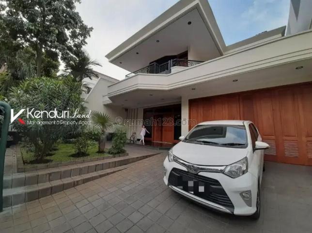 Rumah mewah 2 lantai di area exclusive kemang yang strategis, Kemang, Jakarta Selatan