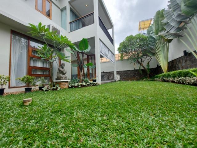 Rumah Mewah Dalam Komplek, Kemang, Jakarta Selatan