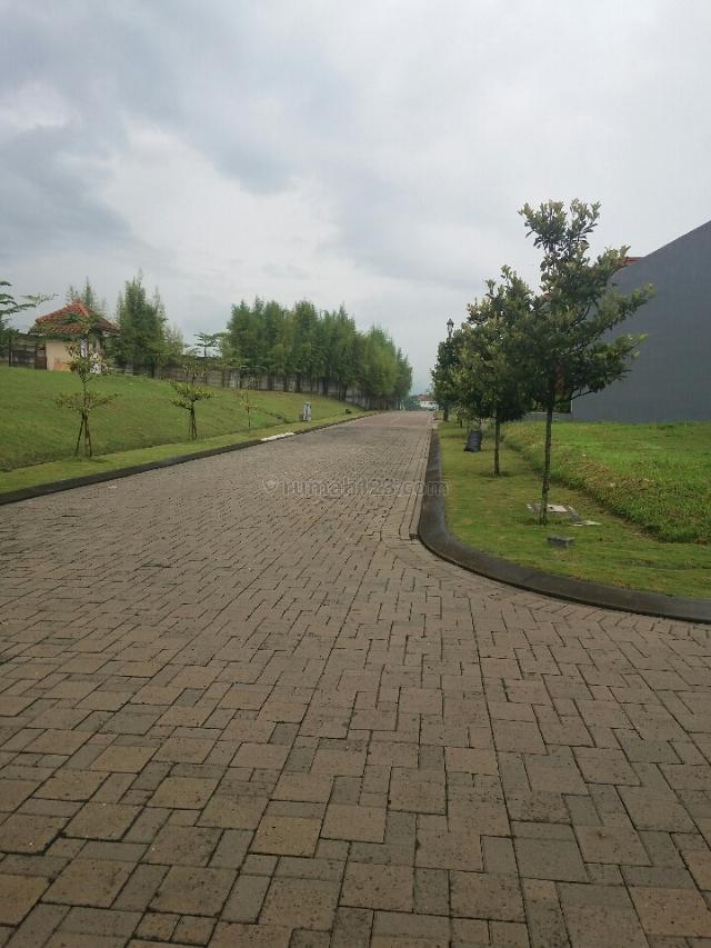Kavling hook di KBP harga murah... dg view danau., Kota Baru Parahyangan, Bandung