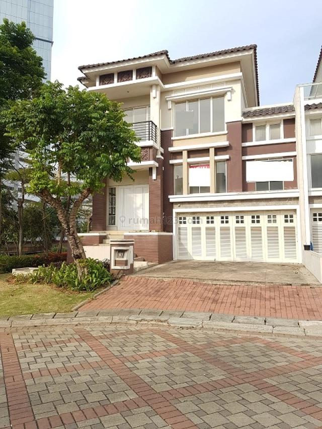 RUMAH CROWN GOLF BEST VIEW DANAU SAMPING & BELAKANG & DEPAN VIEW  TAMAN, Pantai Indah Kapuk, Jakarta Utara
