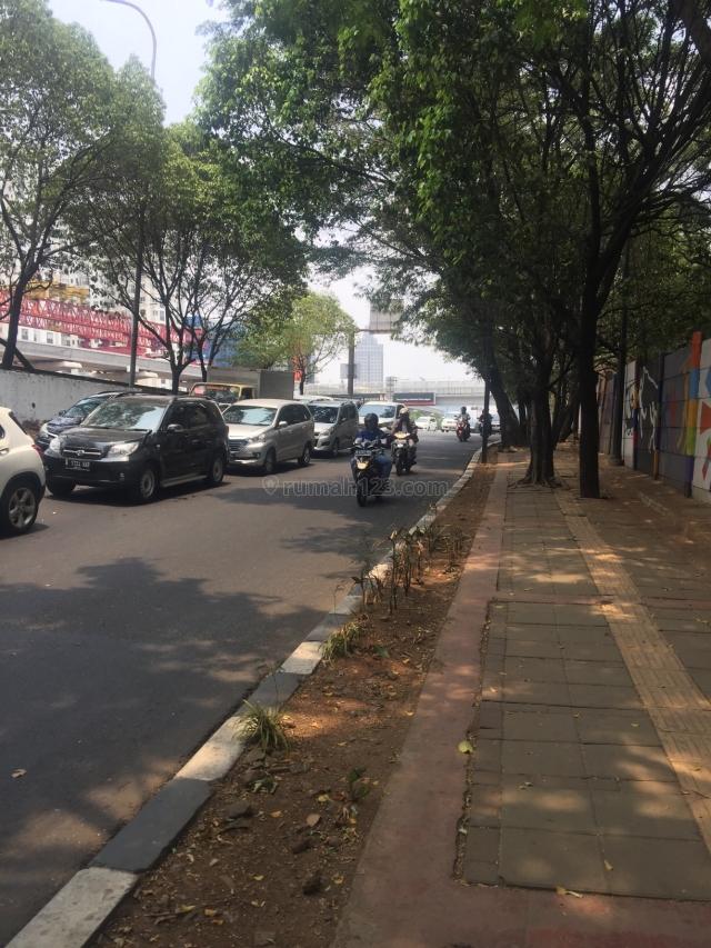 tanah lokasi sangat premium jln raya mt Haryono cocok untuk apartement , hotel , kantor, Cawang, Jakarta Timur