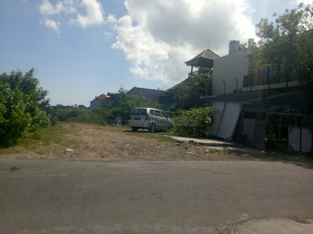 Tanah:1600m2 super langka siap Bangun Di jln utama pantai Nelayan -Batu Bolong canggu Badung Bali, Canggu, Badung