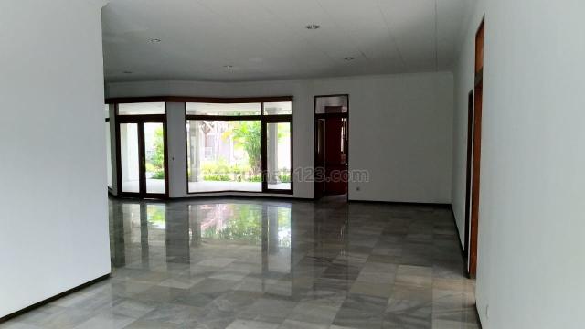 Tanah yang terbangun 3 rumah lengkap pool harga hitung tanah di Ampera, Ampera, Jakarta Selatan