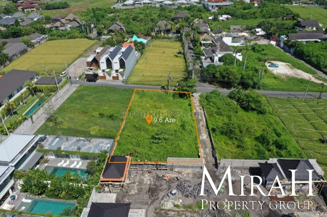 9.6 Are Freehold Land in Berawa 300 Meters From The Beach, Canggu, Badung
