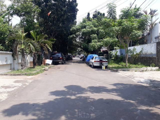 Cepat Tanah luas bonus bangunan dalam komplek di Jati Padang., Jati Padang, Jakarta Selatan