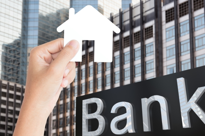 ilustrasi bank dan rumah