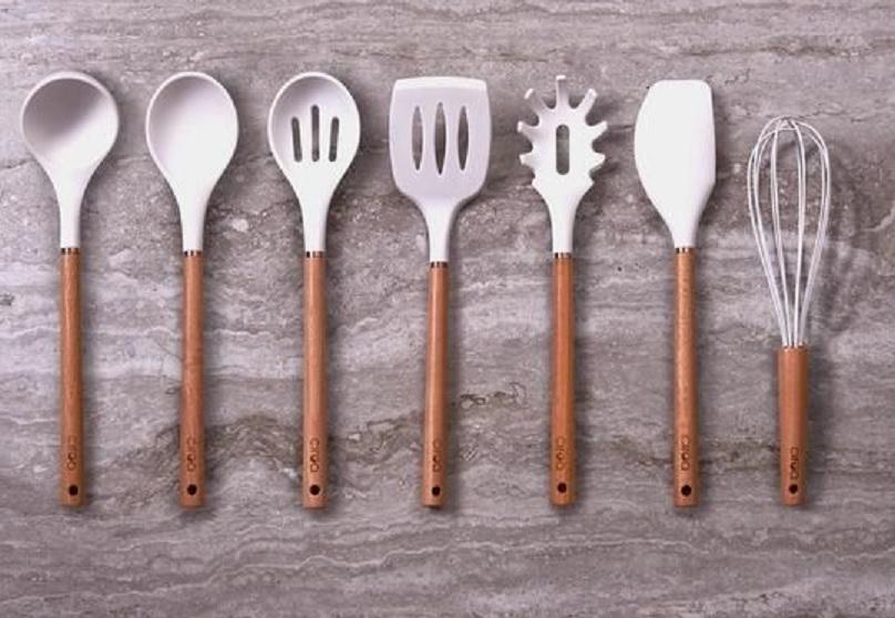 bahan pembersih peralatan dapur
