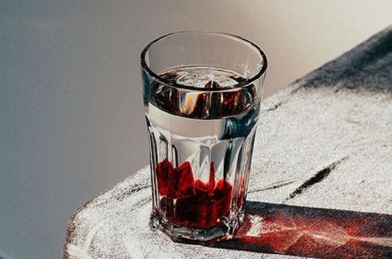 gelas kaca pecah