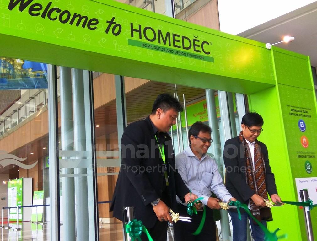 Pembukaan event pameran dekorasi dan interior yang dinaungi oleh Homedec, di Indonesia Convention Exhibition (ICE) BSD, Tangerang, 29 September-2 Oktober.