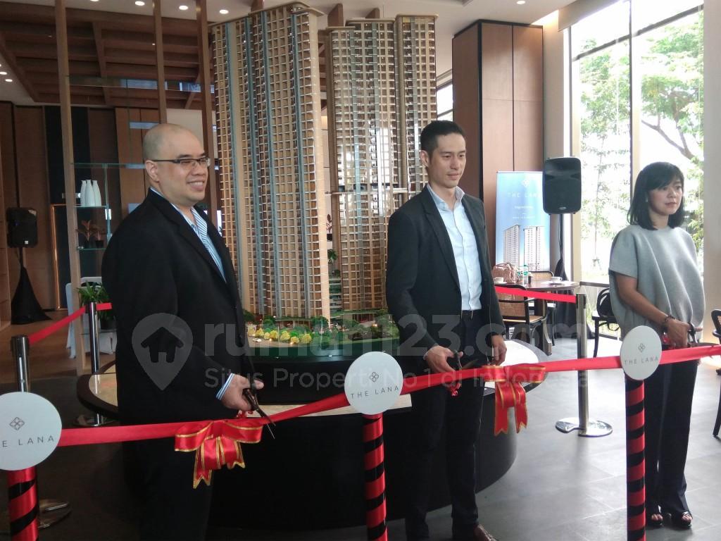 President Director The Lana, Bill Cheng, resmikan The Lana Gallery, di Alam Sutera, Tangerang, Senin (24/10)