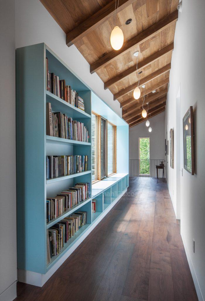 Yuk Manfaatkan Selasar Sebagai Perpustakaan Kecil