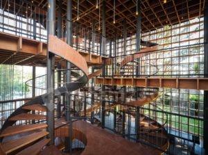Lima Tangga Spiral Percantik Interior Bangunan Ini, Mau Desain yang Sama?