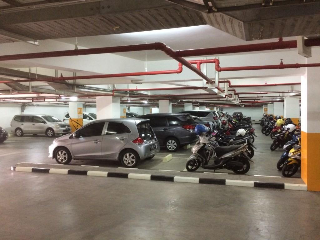 Parkiran apartemen