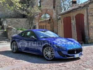 Punya Gaji Rp1 Triliun, Intip Mobil yang Ada di Garasi Rumah Messi, Yuk!