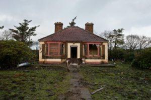 Kenali Ciri-Ciri Rumah Mau Roboh | Cegah Sebelum Terjadi Bencana!