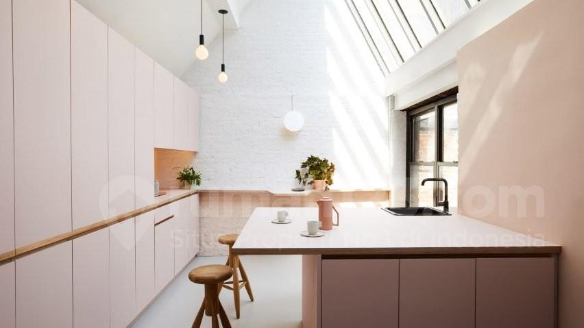 Kombinasi Warna Cat Gedung  yuk coba aplikasikan cat millennial pink pada dapur