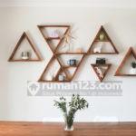 5 Inspirasi Hiasan Dinding dari Kayu di Ruang Tamu