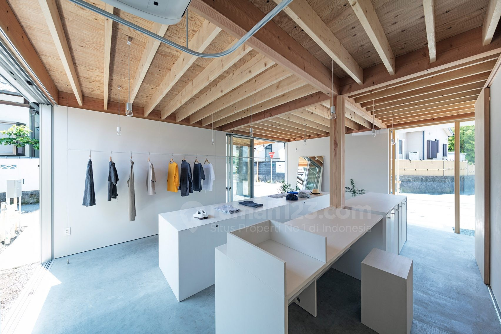 Butik Dengan Konsep Minimalis Dan Terbuka Rumah123 Com