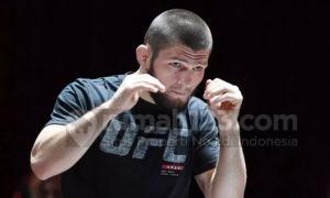 Tampang Boleh Sangar Tapi Jagoan UFC Khabib Nurmagomedov Masih Tinggal Sama Ortu