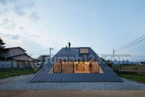 Atap Rumah Ini Didesain Mirip Gunung, Bisa Dipanjat dari Bawah Lho