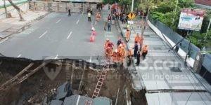 Waduh, Jalan Gubeng di Surabaya Ambles Sedalam Lebih dari 15 Meter