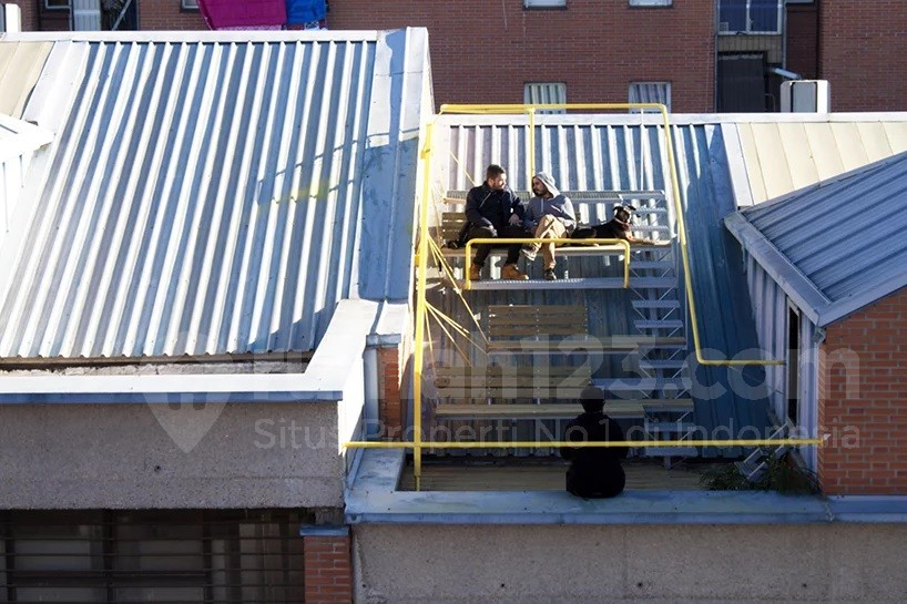 Gampang Kok, Bikin Tempat Nongkrong Asyik di Atap Bangunan