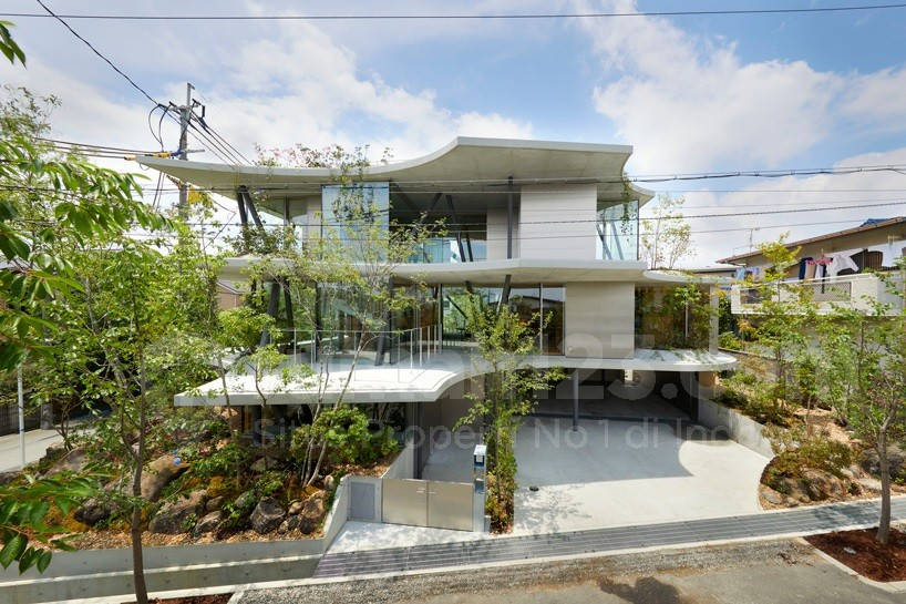 Desain Rumah yang Merespon Angin Matahari dan Pohon