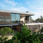Kalo Suka Pamer Kayak Shio Monyet, Desain Arsitektur Rumahnya Kayak Apa Sih