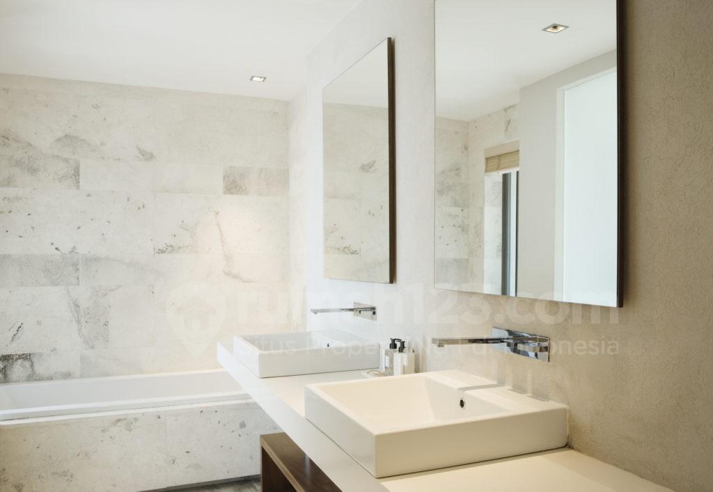 kamar mandi kecil - rumah123.com