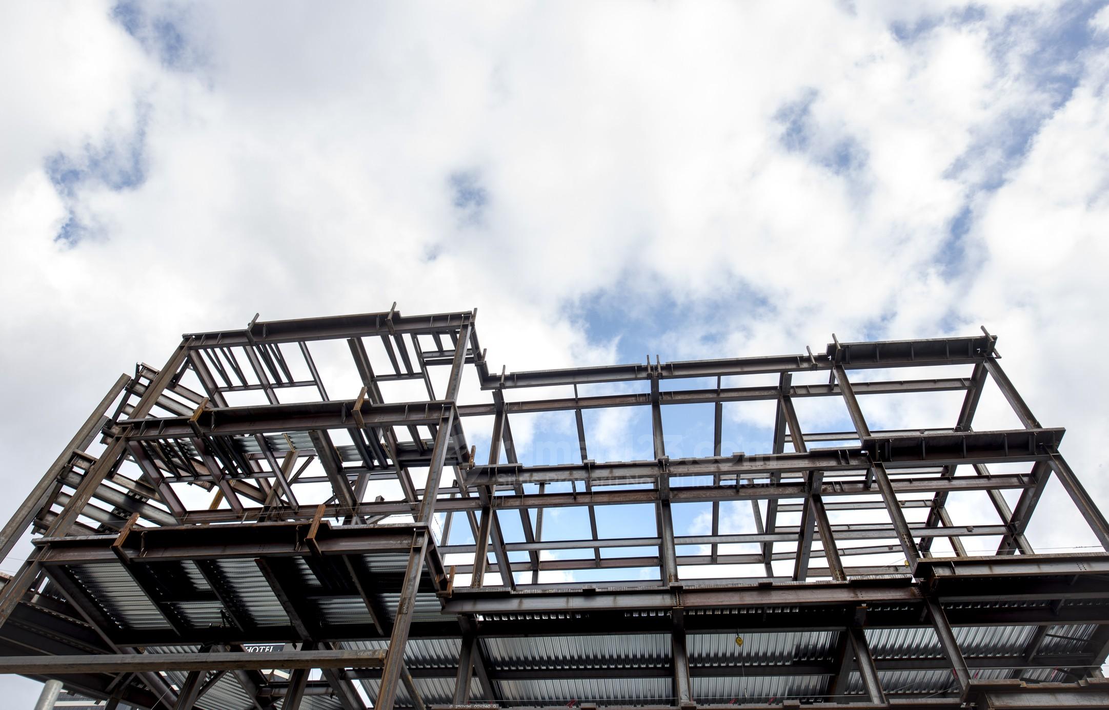 Rangka Atap Baja Ringan Vs Kayu Lebih Baik Yang Mana Rumah123 Com