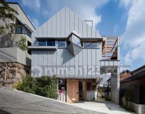 Desain Rumah Unik, Bentuknya Tidak Beraturan