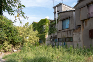 5 Rumah Angker di Indonesia yang Menyimpan Banyak Cerita Mistis