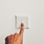 7 Cara Paling Sederhana untuk Menghemat Listrik, Bedanya Signifikan Lho!