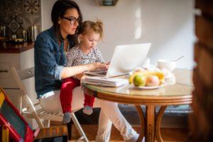 Beragam Keuntungan Kerja Online dari Rumah, Apa Saja Ya