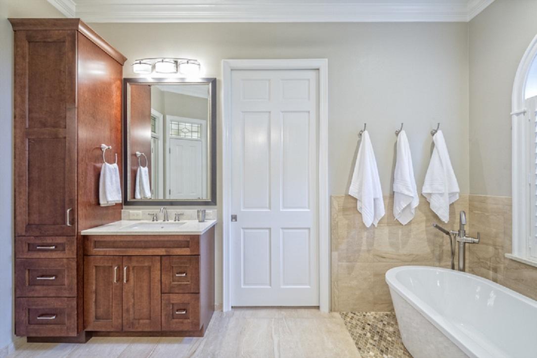 4 Pilihan Material Pintu Kamar Mandi Terbaik Mau Pilih Yang Mana Rumah123 Com