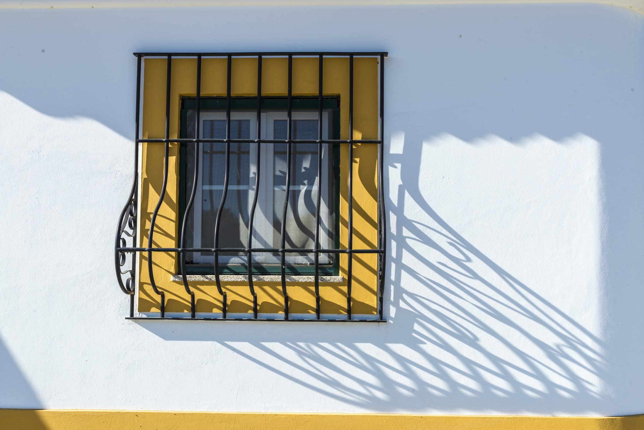 3 Tips Memasang Teralis Jendela Yang Benar Dan Aman Rumah123 Com