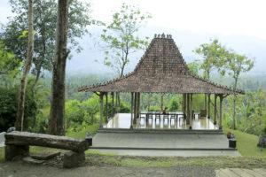 Rumah 5 Selebriti & Tokoh Populer Nasional dengan Konsep Tradisional
