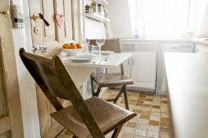 5 Ide Meja Makan Minimalis untuk Rumah Kecil